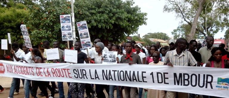 Article : Sénégal : quand les jeunes de Mbour se mobilisent pour dire STOP aux accidents de routes
